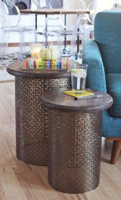 Geniaal,metalen vuilnisbak schilderen (spuiten),plankje erop en je hebt een leuk tafeltje