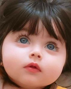 I luv the wonderment in her eyes! So Cute Baby, Cute Baby Girl Pictures, Baby Kind, Baby Love, Cute Girls, Precious Children, Beautiful Children, Beautiful Babies, Cute Babies Photography