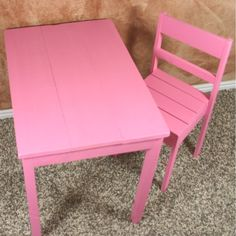 Childrens table with 2 chairs