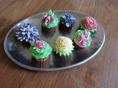 Cupcakes, decorated with buttercream icing
