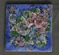 Carreau en céramique à engobe craquelée IZNIK QUAJAR décor foral 16,5 x 16,5 cm