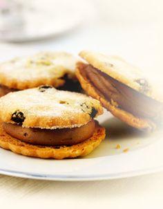 Callebaut - Raisin and Chocolate Shortcake Sandwich