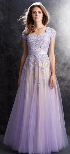 Charming Tulle V-neck Neckline A-Line Prom Dresses With Beaded Lace Appliques