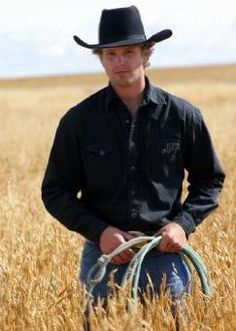 Caleb is an Irish Canadian ranch hand hired by Jack after Ty leaves for 4 months. In the beginning he is rather husky, has feelings for Amy and develops a friendship with everyone at Heartland and a romance with Ashley. Heartland Caleb, Heartland Actors, Heartland Quotes, Heartland Ranch, Heartland Tv Show, Heartland Seasons, Hot Country Men, Cute Country Boys, Cast Member