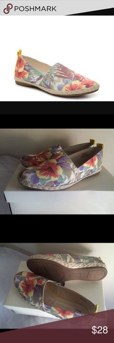 New Anne Klein Espadrille Shoes Women Sz 7 Brand new with box Women size 7M Retail $69+.          Floral printed fabric upper Espadrille trim Round toe iFlex comfort cushioned insole Synthetic sole  price firm ✅fast shipping Anne Klein Shoes Espadrilles
