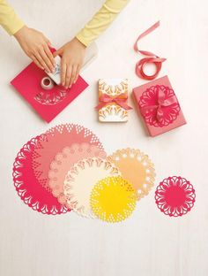 New Martha Stewart Crafts products - circle punch - diy doilies Martha Stewart Punches, Martha Stewart Crafts, Origami, Diy Projects To Try, Craft Projects, Diy Paper, Paper Crafts, Paper Art, Wrapping Gift