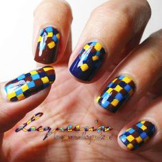 Geometric nails  #Nailart www.finditforweddings.com