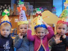 Circus Clown, Circus Theme, Carnival Holiday, Holiday Club, Crazy Hats, Web Design, Alice In Wonderland, Kindergarten, Preschool