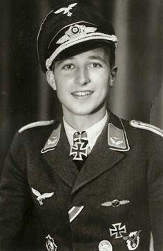 ✠ Walter Wolfrum (23 May 1923 – 26 August 2010) RK 27.07.1944 Leutnant Flugzeugführer i. d. I./JG 52
