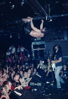 Chris Cornell climbing