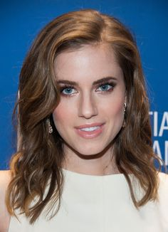 Rose Gold Obsession with Allison Williams of HBO's Girls via @Phyrra #rosegold #makeup