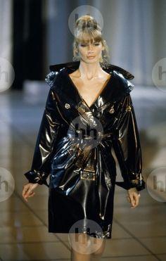 Claudia Schiffer Atelier Versace 1994
