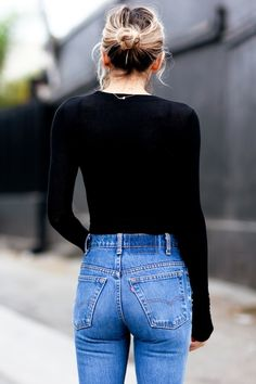 35 Shots That Prove Levis Jeans Make Your Butt Look Amazing // bun, black tee & high-waisted #denim #style #fashion