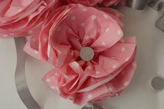 Cute napkin flower tutorial from Party Patisserie!