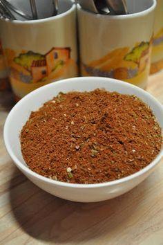 Auch für Eintöpfe, Fleischgerichte, Wraps usw. Zutaten: 4 EL Kakaopulver (dunkler Backkakao) 8 EL Paprikapulver, edelsüß 1 EL Pap...