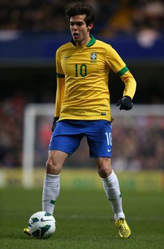 Kaka Photos - Kaka of Brazil in action during the International Friendly match between Russia and Brazil at Stamford Bridge on March 2013 in London, England. - Russia v Brazil Brazil Football Team, Brazil Team, Football Soccer, Football Players, Football Stickers, Football Cards, Fifa, Most Popular Sports, Neymar Jr