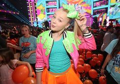 Internet personality JoJo Siwa appears at Nickelodeon's 2017 Kids' Choice Awards at USC Galen Center on March 2017 in Los Angeles, California. Jojo Siwa, Kids Choice Award, Choice Awards, Small Town Girl, Pretty Much, Show Photos, Dance Moms, Business Women
