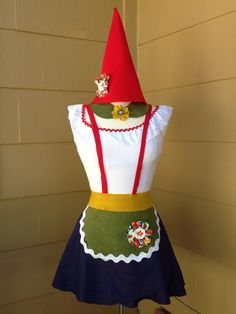 My homemade gnome costume Garden Gnome Halloween Costume, Gnome Costume, Teacher Halloween Costumes, Homemade Halloween Costumes, Halloween Costume Contest, Halloween Fancy Dress, Diy Costumes, Halloween Diy, Costume Ideas