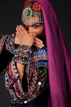 Rana Gorgani (www.loeilpersan.com)  Danse Persane - Persian Dance - Iranian dances - Danses d'Iran - Afghan Dances - Danses d'Afghanistan