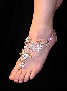Barefoot Sandals are definitely one of our favorite destination wedding accessories! Here are some of our favorite barefoot designs. Wedding Accessories, Jewelry Accessories, Jewelry Ideas, Bare Foot Sandals, Toe Rings, Ankle Bracelets, Anklets, Body Jewelry, Ankle Jewelry