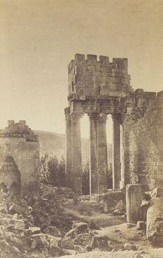 'Baalbek, péristyle du temple de Bacchus', November 1860 / Gustave LeGray