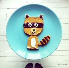 12 Plates of Food Shaped Like Animals