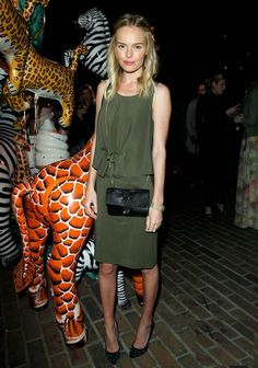 Kate Bosworth wearing Mulberry everything at the Mulberry party (via because im addicted)