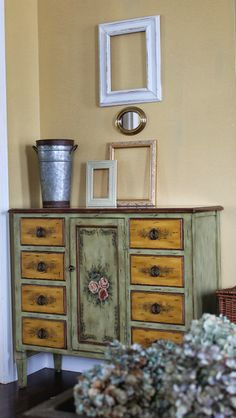 Pretty painted chest | Love My Simple Home