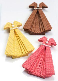 Galletas con forma de vestidos diy de Hand made Charlotte.