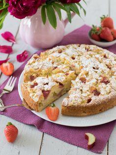 Erdbeerkuchen mit Joghurt und Rhabarber Bagel, Bread, Cookies, Desserts, Food, Strawberry Pie, Fruit And Veg, Sheet Cakes, Strawberries