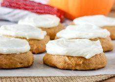 Cream Cheese Frosted Pumpkin Cookies Pumpkin Oatmeal Cookies, Pumpkin Dessert, Fall Cookie Recipes, Fall Recipes, Layered Pumpkin Cheesecake, Toffee Cookies, Rolled Sugar Cookies, Cream Cheese Cookies