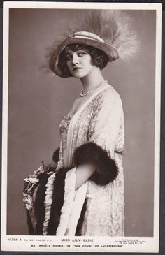 ACTRESS MISS LILY ELSIE IN THE COUNT OF LUXEMBOURG FUR TRIM MUFF PHOTO CARD | eBay