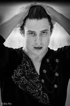 Scott Moir - Photo by Greg Kolz Virtue And Moir, Tessa Virtue Scott Moir, Ice Skating, Figure Skating, Tessa And Scott, Olympic Gold Medals, Fire And Ice, Athlete, Frases