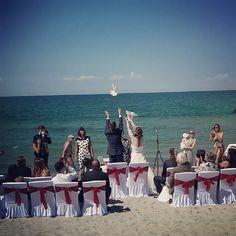 Nette Wedding Location entdeckt... #print jetzt deine schönsten Momente auf ein #poster von @socialprint.ch!  #weddingoutdoor #wedding #bride #ahrenshoop #beachlife #beach  #publicviewing #dream #instaprints #instapic #picoftheday #fotooftheday #socialprint #socialmedia #foto #fotogeschenk #printyoursociallife #tauben #weddingbeach #ostsee