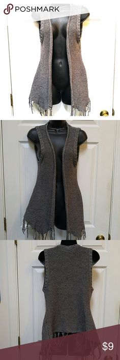 Gray Knit Vest Lovely knit sweater vest. Size s/p. Polyester blend. Slight pull on right side. See photo. Otherwise on good condition. xxi Sweaters