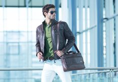 Vélez for Leather Lovers Hot Guys, Lovers, Leather Jacket, Jackets, Fashion, Amor, Loafers, Leather Briefcase, Briefcases