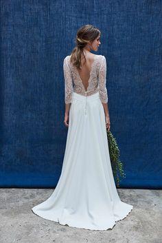 Robe de mariée 2018 : une robe fluide au décolleté dans le dos en dentelle de Calais Maison Floret, 2950 €