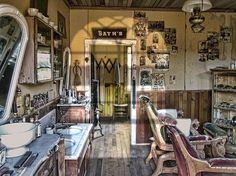 b7cd5be7d9e0f35b2571aa4b002fafaa--barber-shop-interior-the-barber.jpg (499×374)