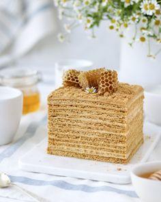 Апельсиновый медовик с заварным кремом — классический рецепт, пошаговый, с фото Vanilla Cake, Napoleon Cake, Honey Cake, Take The Cake, French Pastries, Confectionery, Cake Designs, Food Pictures, New Recipes