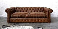 Get help to move the sofa with Frederiksholm moving company. #Flyttemand Skovlunde #Flyttemand Rødovre  #Flyttemand Glostrup  #Flytteand Herlev  #Fragt Herlev
