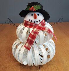 Items similar to Christmas Snowman, Mason Jar Lids, Rustic Center Piece, Christmas Gift on Etsy Snowman Christmas Decorations, Diy Christmas Gifts, Christmas Snowman, Christmas Projects, Christmas Holidays, Santa Ornaments, Snowman Crafts, Jar Lid Crafts, Mason Jar Crafts