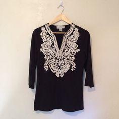 Sold on DepopLauren Michelle Embroidered Tunic Soft and comfy embroidered tunic with 3/4 sleeves. Slightly oversized fit! Love this, but don't wear it much anymore. Gently worn. No imperfections. Lauren Michelle Tops Tunics