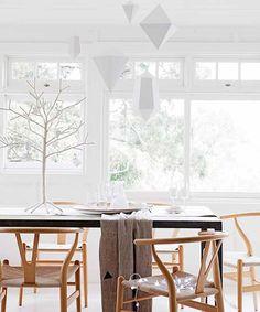 Via Laura van B | Wegner Chair | White and Wood | Diningroom