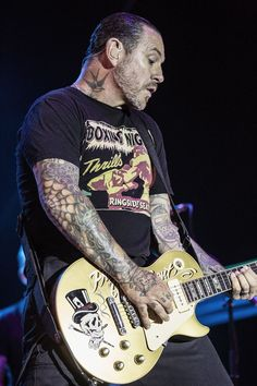 Story of My Life: Mike Ness Talks 25 Years of 'Social Distortion'  Read more: http://www.rollingstone.com/music/news/story-of-my-life-mike-ness-talks-25-years-of-social-distortion-20150722#ixzz3ggdOovv7 Follow us: @rollingstone on Twitter | RollingStone on Facebook