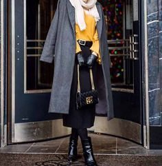 How to wear chic hijab in cold winter days – Just Trendy Girls Islamic Fashion, Muslim Fashion, Modest Fashion, Skirt Fashion, Hijab Fashion, Trendy Fashion, Fashion Outfits, Dubai Fashion, Fashion Ideas