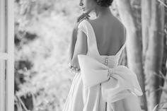 Vestido de novia con lazo de organza