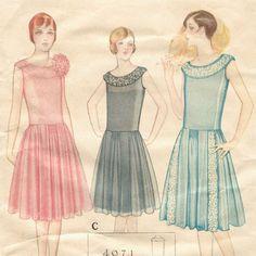 Robe de style 1920s evening dress pattern -- McCall 4971