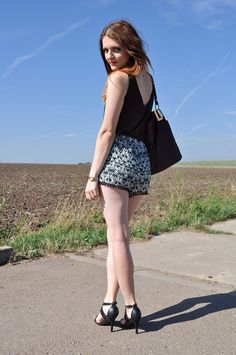 LOVERENCE - Fashion blog: SHORTS OUTFIT