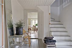 my scandinavian home: A charming century house on Gotland Nordic Home, Scandinavian Home, Beautiful Interiors, Beautiful Homes, Living Area, Living Spaces, Entryway Stairs, Hallway Storage, Swedish Cottage