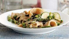 Stay strong through Passover with this Pasta Primavera using matzo meal pasta from Epicurious Passover Recipes, Jewish Recipes, Passover Menu, Fish Dishes, Pasta Dishes, Pasta Food, Vegan Pasta, Matzo Meal, Farmers Market Recipes